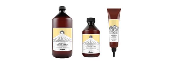 Realizamos este tratamiento Davines Natural Tech a base de ingredientes naturales para prevenir todo tipo de caspa en el cabello, tanto seca como grasa.