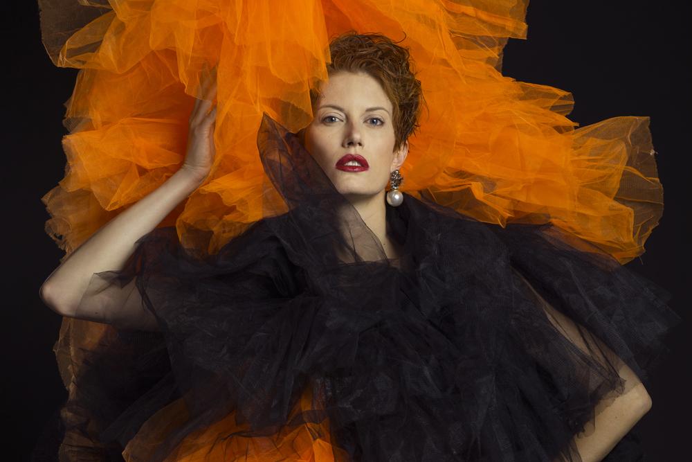 la modelo elena urucatu en una producción para isaac salido, hair color copper cobrizo por awa lo y corte por isaac salido