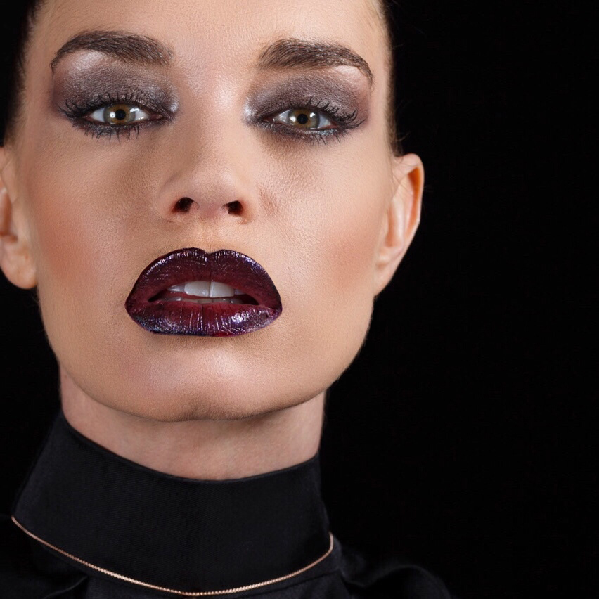 producción de maquillaje inspirada en tom ford, centrada en el beauty by isaac salido